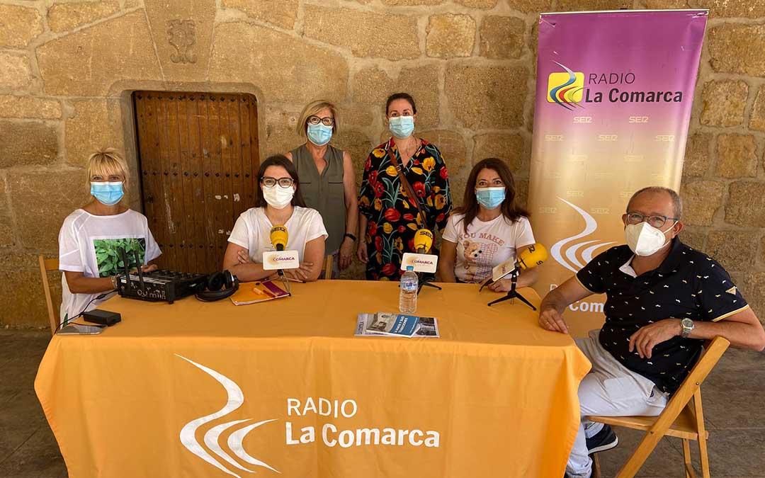 Invitados al programa especial de Radio La Comarca en La Mata de los Olmos./ L.C.