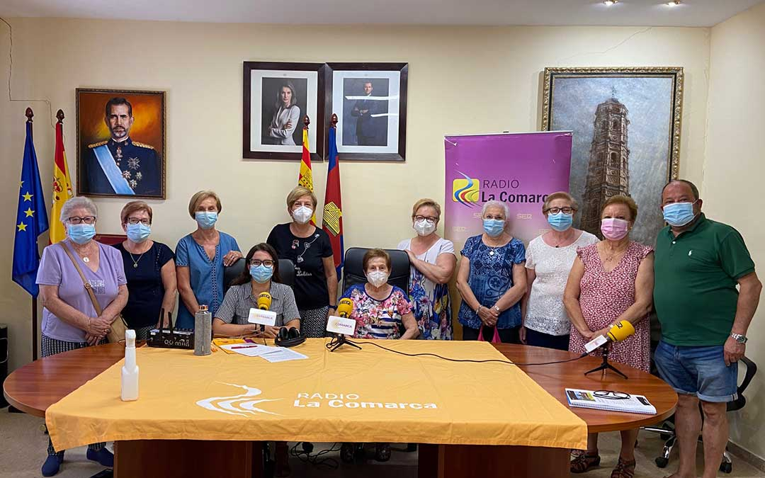 Invitados al programa especial de Radio La Comarca emitido desde Muniesa./ L.C.
