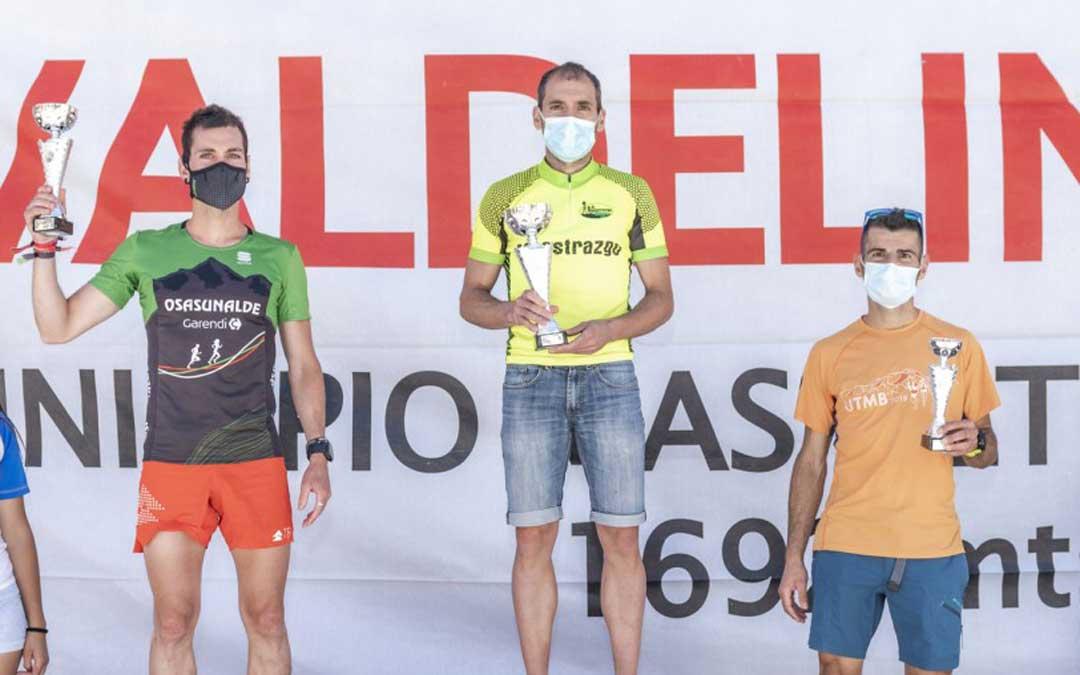 Javier Robres en lo más alto del podio. Foto: Last Race Studio