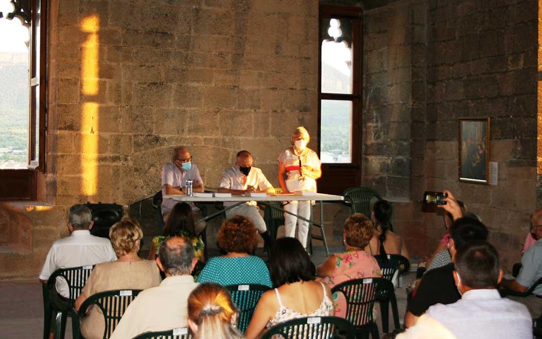 El acto de presentación del libro tuvo lugar el martes por la tarde en Valderrobres. J.L