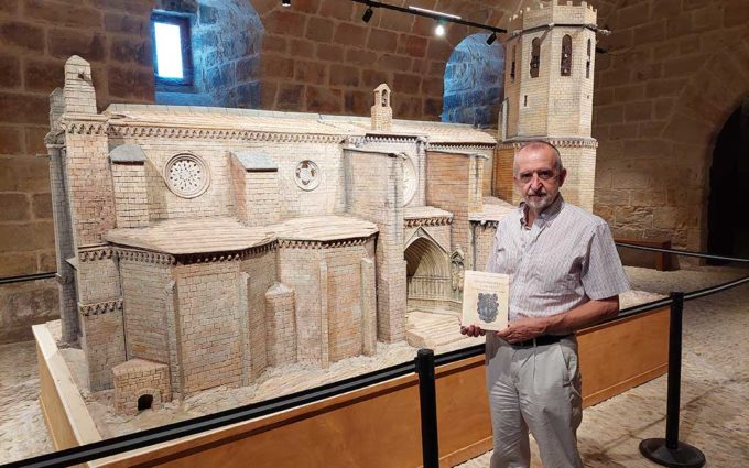 Valderrobres cuenta con un nuevo libro que analiza 350 años de historia y crecimiento de la villa