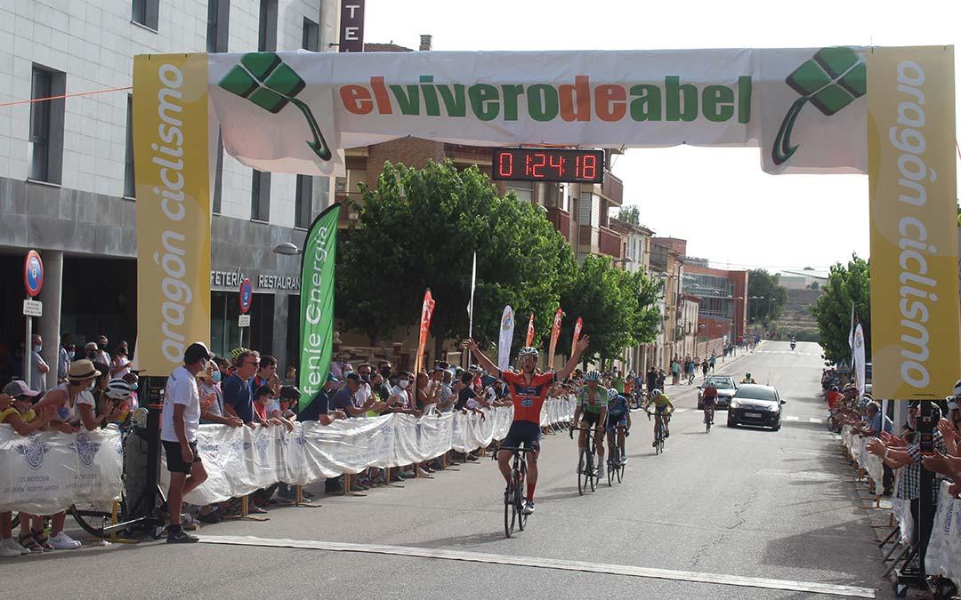 El catalán Lluc Planas (Purito Tadesan Nuria) se llevó la última etapa de esta edición de la Vuelta al Bajo Aragón/ Eduard Peralta