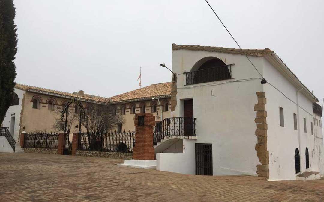 El pleno ordinario del mes de septiembre aprobó la adjudicacion de la gestión del Hotel San Macario. / María Quilez