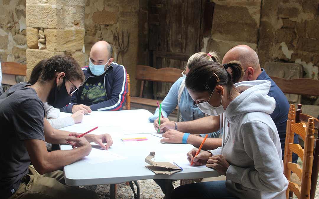 Uno de los grupos trabajando en su proyecto / Eduard Peralta
