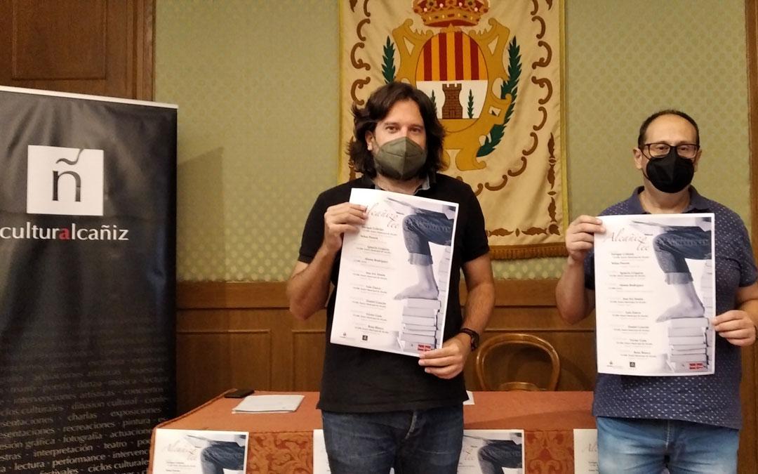 El concejal de Cultural, Jorge Abril, y el técnico del área, David Arrufat, en la presentación de Alcañiz Lee. / B. Severino