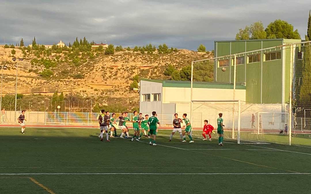 Momento del partido que ha enfrentado al Alcañiz y al Stadium Casablanca./ A.M.