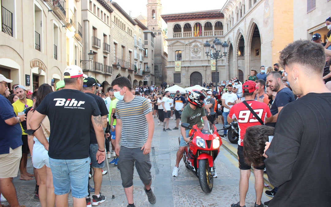 La plaza de España al final de la tarde del sábado de MotoGP. / L.C.