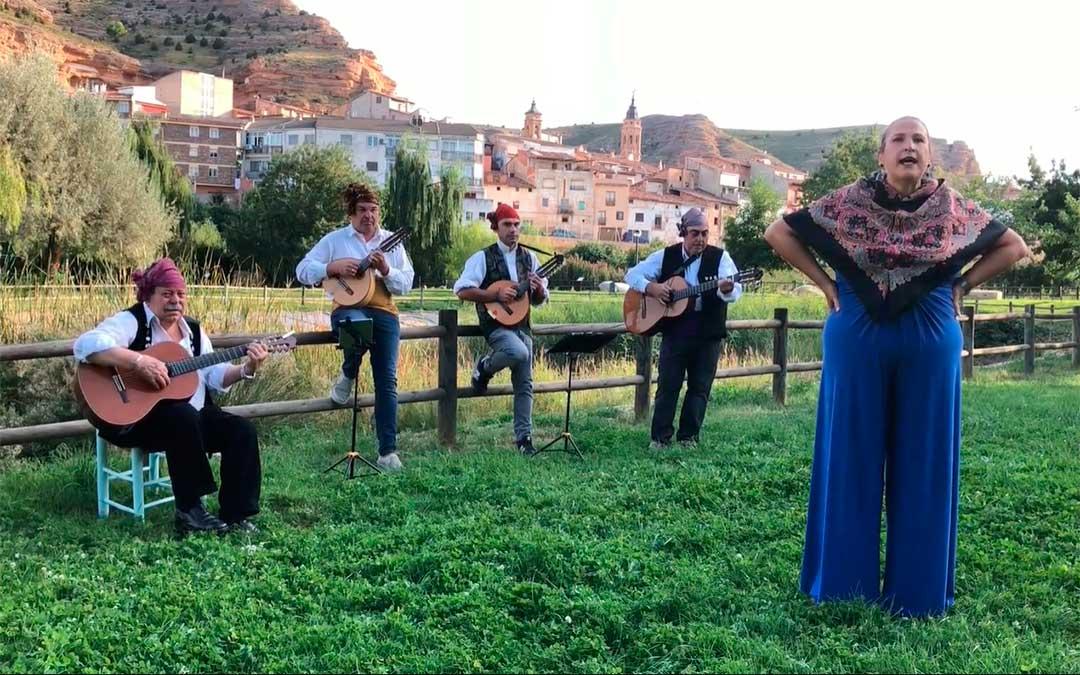 Ronda Baturra virtual en homenaje a los vecinos de Alcorisa que cumplen 84 años./ L.C.