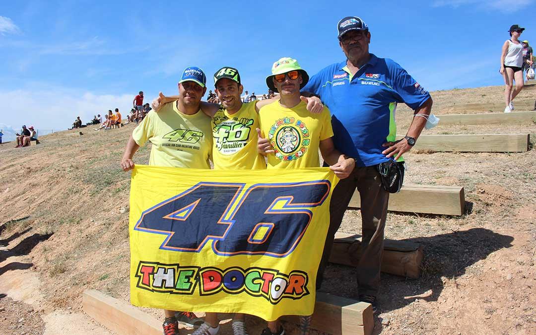 Un grupo de amigos que sigue a Rossi y que se conoció a través de un grupo de Facebook de seguidores del italiano / L. Castel