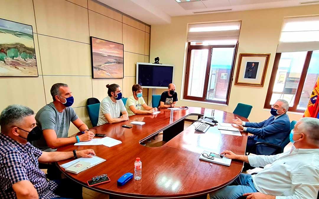Olona se ha reunido este viernes con representes de los sindicatos del colectivo de los APN./ DGA
