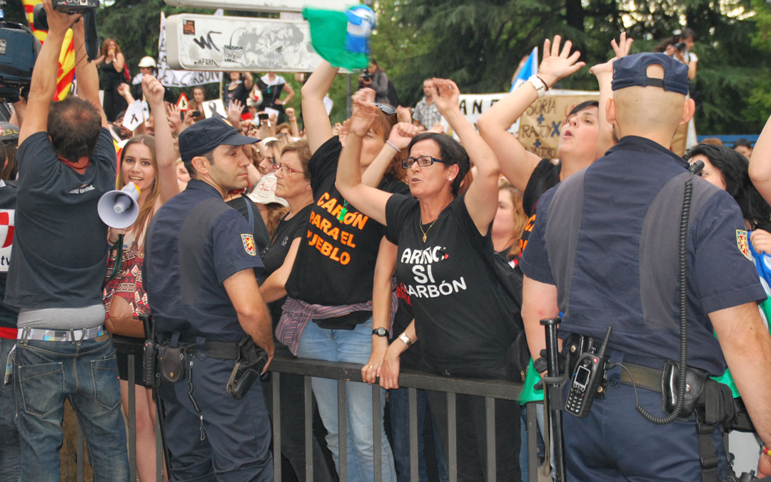 En Madrid, Marina Cueto en las manifestaciones ante el Senado en junio de 2012. / María Quílez
