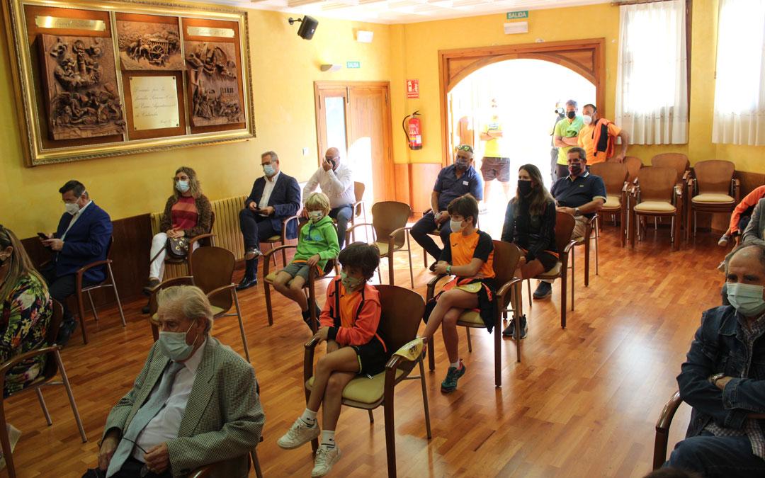 Auditorio siguiendo la recepción. / B. Severino