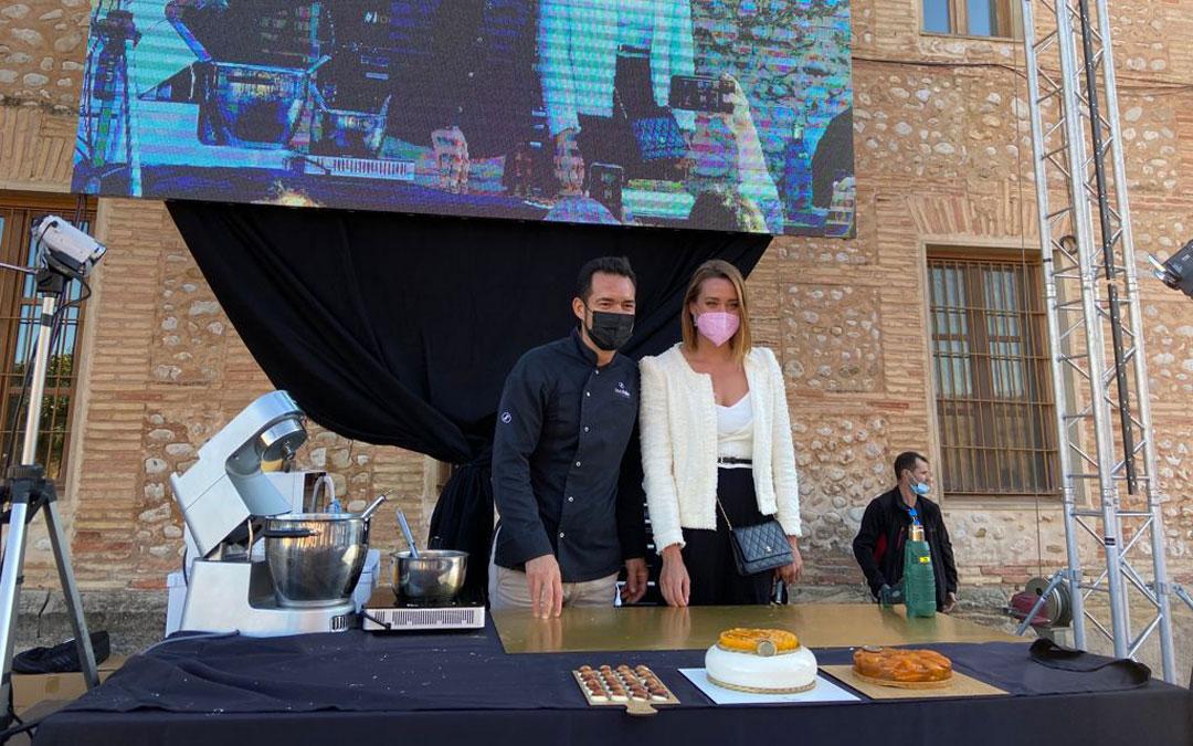 Pallás y Belmonte, en la demostración de cocina que cerró la jornada que tuvo a la nadadora como protagonista. / Alicia Martín