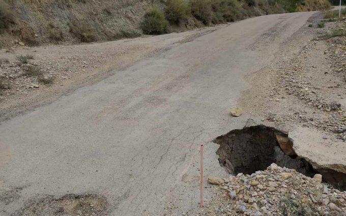 Ladruñán denuncia el mal estado de su carretera y solicita una actuación urgente