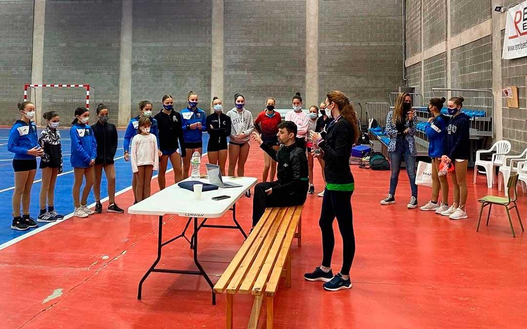 Cretas acogió una exhibición y actividad centrada en el patinaje. F.C.