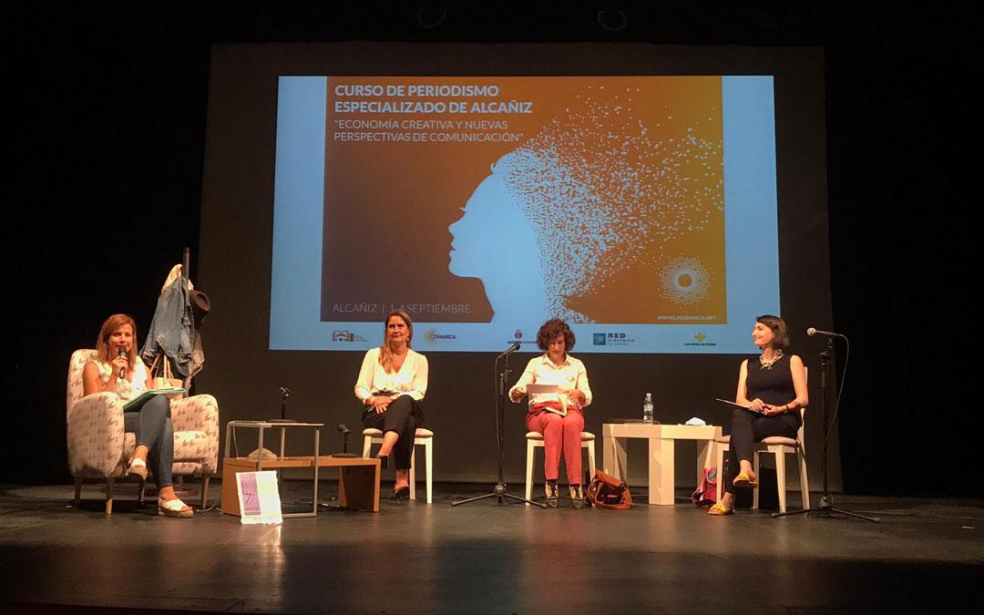 En la mesa redonda se ha tratado la relación que tienen los departamentos de comunicación de las empresas con los medios de comunicación./ Laura Alejos