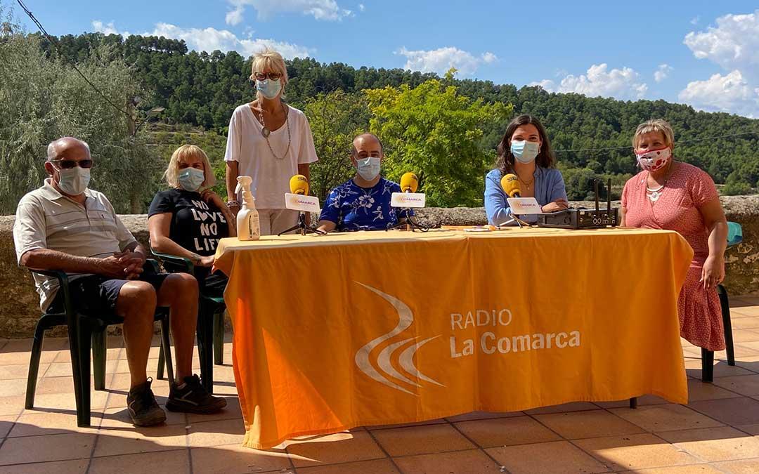 Invitados al programa especial de Radio La Comarca./ L.C.