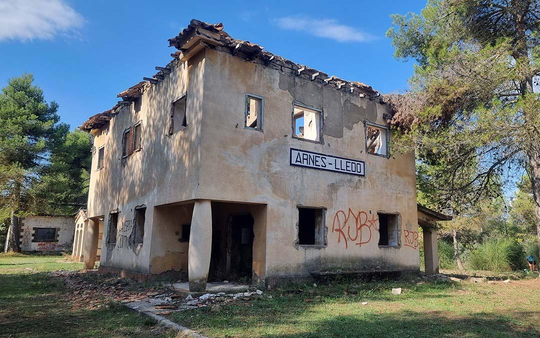 Estación Arnes Lledó via verde Val de Zafán
