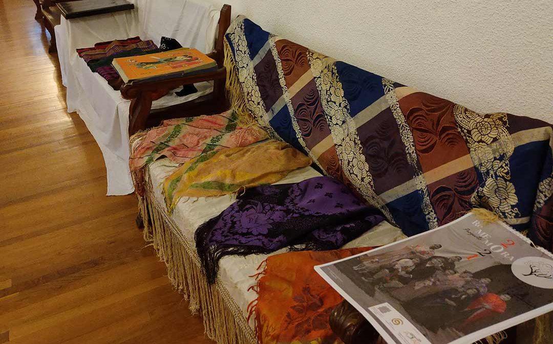 Sempiterna presenta la exposición 'Seda en mantones y pañuelos' en La Iglesuela del Cid
