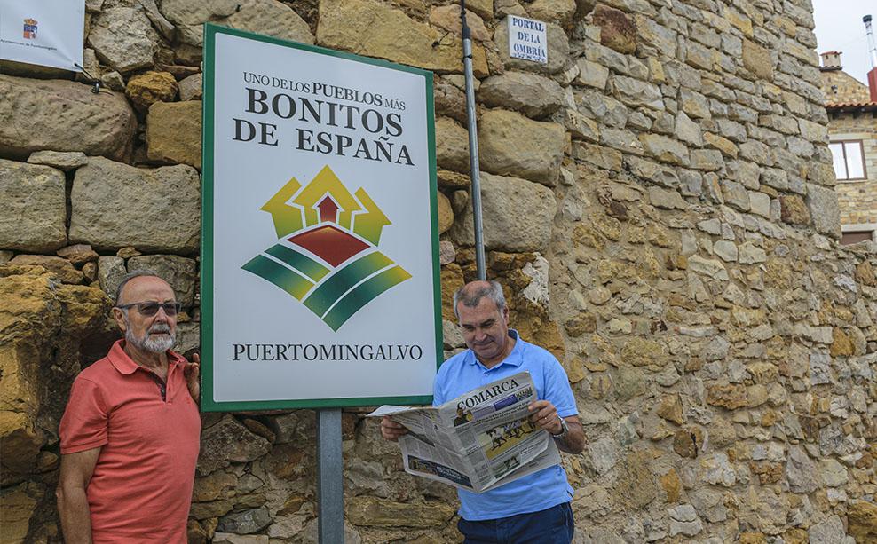 Jose Antonio Vivancos de Alcañiz. Jose Antonio y Luis de vacaciones en Puertomingalvo. Han ganado un smart tv de 32''