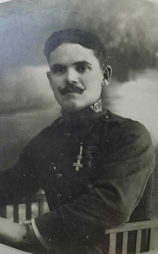 s La única foto que conservan es de cuando Joaquín fue a la Guerra de Marruecos / Archivo familiar