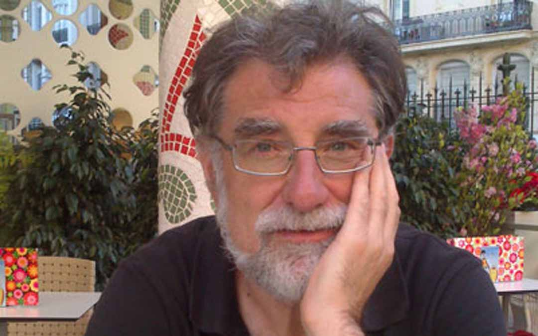 El periodista de Valderrobres, Lluis Rajadell, es el Premi Guillem Nicolau 2021. L.C.