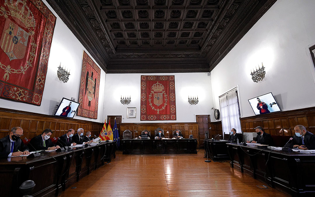 La vista oral se ha celebrado en la sala de lo Civil y Penal del TSJA este miércoles / Toni Galán-Heraldo