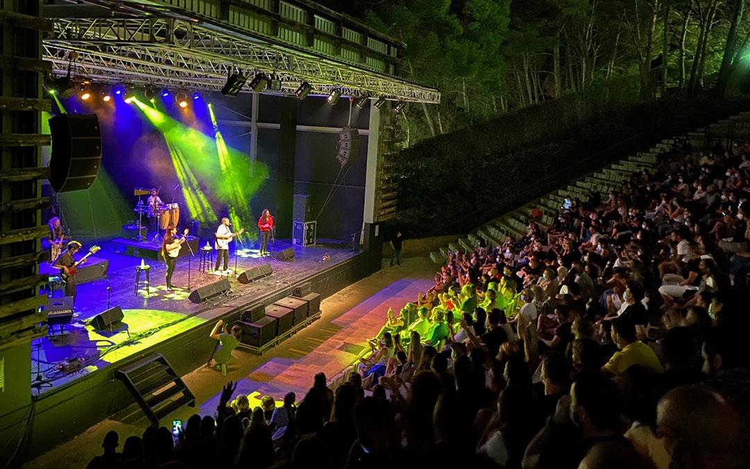 Emoción en un concierto muy esperado de 'Uña y carne', que agotó entradas en menos de 12 horas./ Alicia Martín