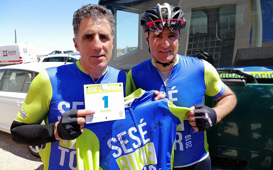 Miguel y Pruden Induráin en su participación en la Sesé Bike Tour de 2019 en Urrea de Gaén. / Fundación Sesé