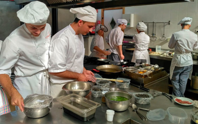 Los grados de Servicios y Cocina del IES Matarraña de Valderrobres cerrarán la matrícula el jueves