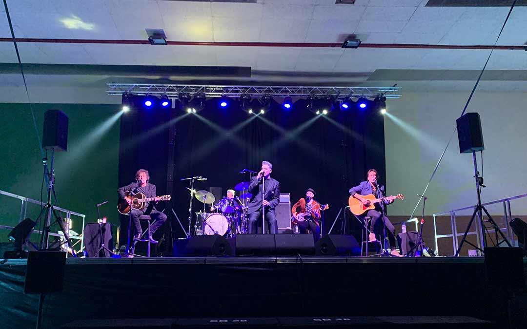 Loquillo actuó este sábado en el pabellón de Chiprana / Eduard Peralta