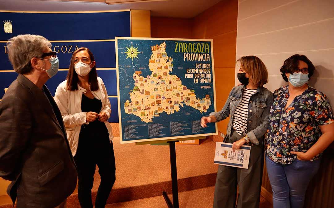 La DPZ presenta el mapa de promoción turística entre los más jóvenes./ DPZ