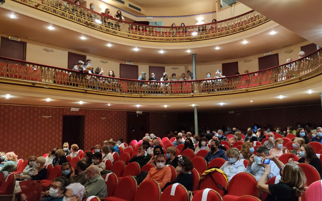 Aforo completo en el teatro para ver a Me Va Me Va Teatro con 'Ni Ni Ni Ro'. / A. Gracia