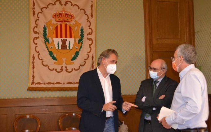 Joaquín Moreno, alcalde de Utrillas, promociona en Alcañiz la Gala Provincial del Deporte Turolense