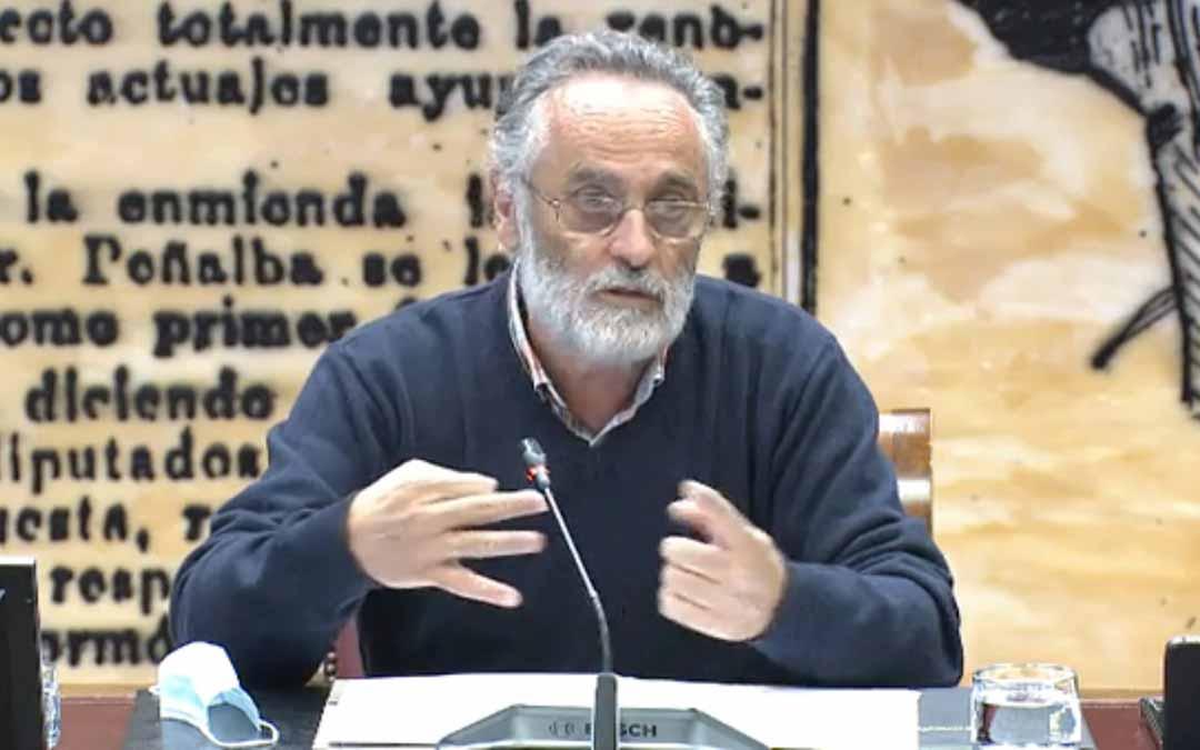 El portavoz de la Plataforma a favor de los Paisajes de Teruel, Javier Oquendo, ha comparecido en el Senado. L.C.