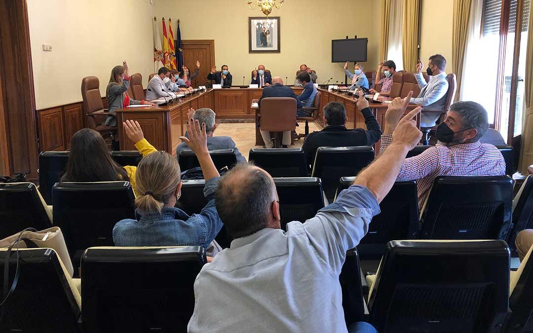 Votación celebrada durante el pleno extraordinario de la DPT. / DPT