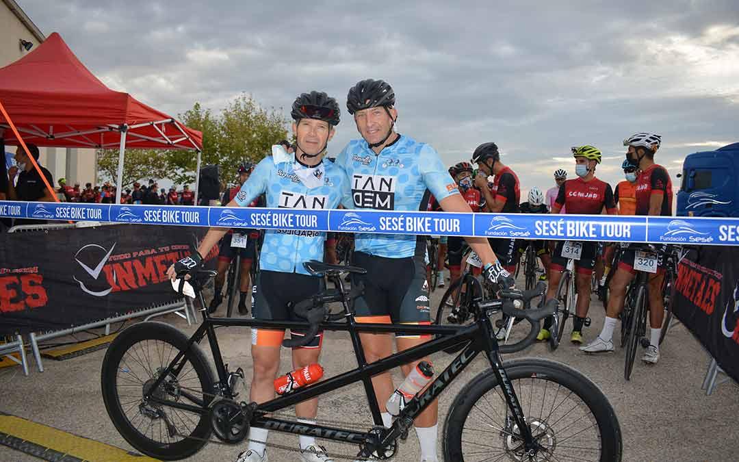 Javier Torralba y Raúl Gurrea ciclistas del Tándem Solidario./I.M.
