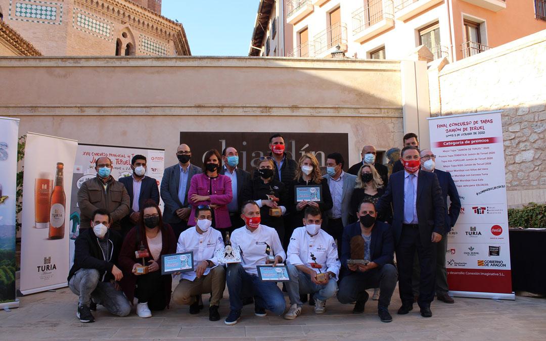 Foto de familia de los ganadores del Concurso de Tapas Jamón de Teruel de la edición de 2020. / L.C.
