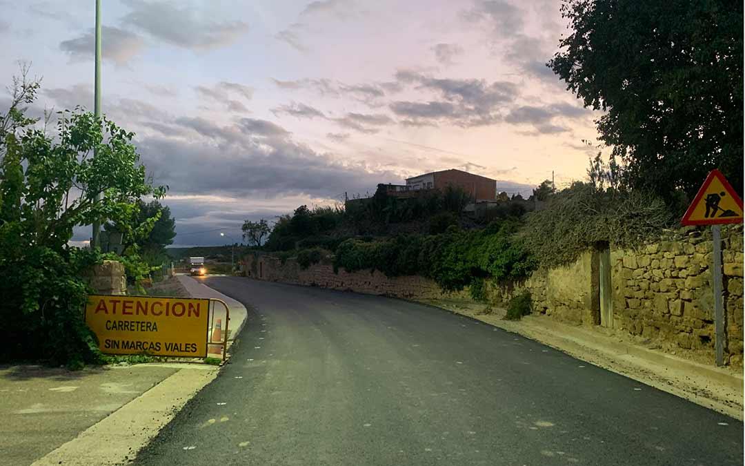 Así luce ahora la entrada a Maella por la A-1412 / Eduard Peralta